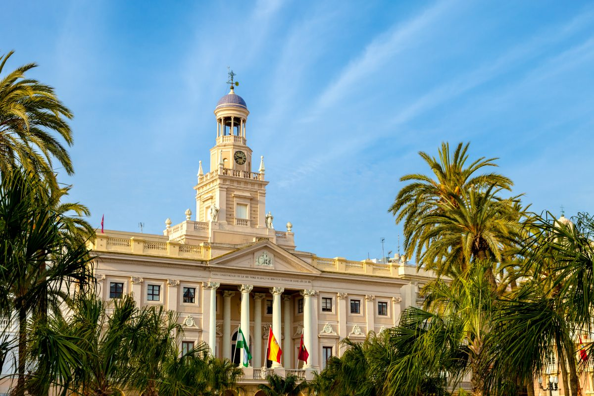 city-hall-of-cadiz-spain-P6M65FV-1200x800.jpg