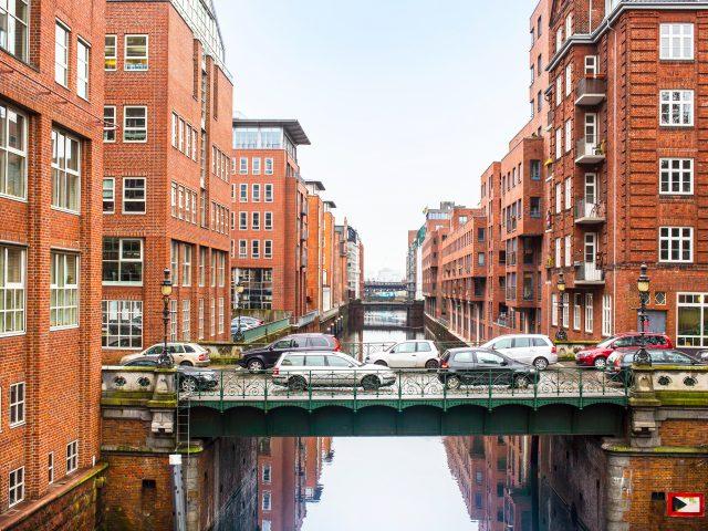 https://www.mycheapremovals.co.uk/wp-content/uploads/2019/01/city-view-of-hamburg-germany-PZKLBUT-640x480.jpg